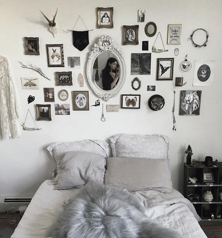 Scary Apartment: Pretty Wall Gallery Ideas For Bedroom